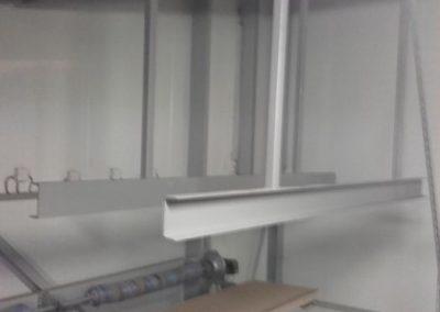 daksteunen-voor-condensor-in-bewaarschuur-plaatsen-1